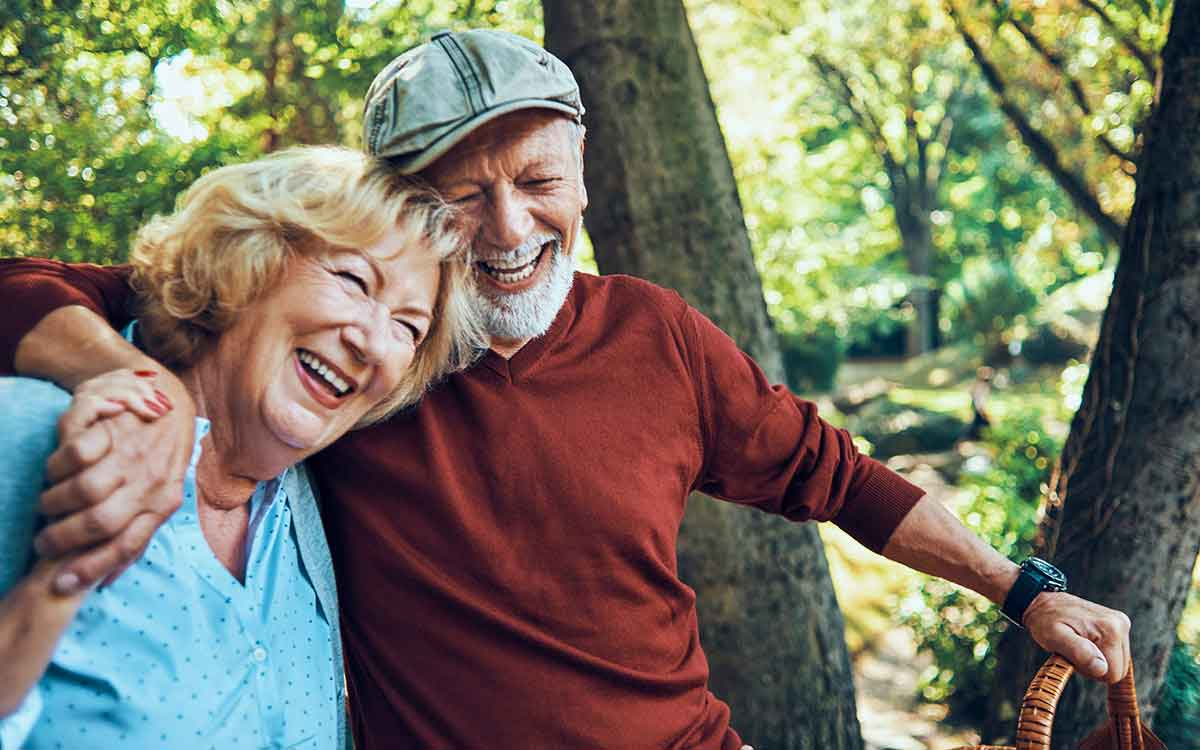 Happy senior couple with healthy brains.